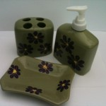 Green tooth brush holder set